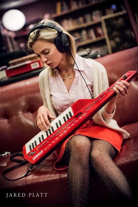Documentary photographs of Mindy Gledhill in the recording studio in Nashville (1)